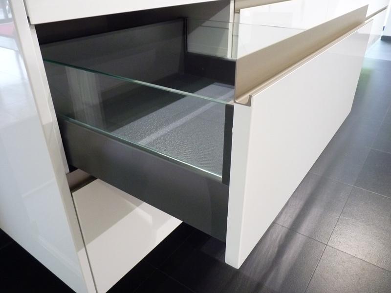 Rempp Küche Auszug Glaselement